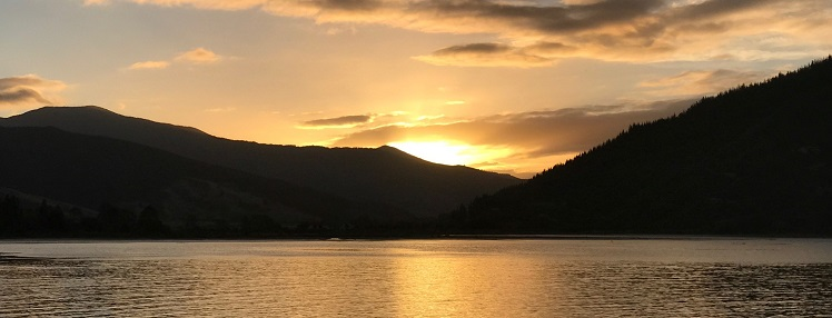 marlborough sunset over queen charlotte sound